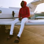 Wizkid Shares Adorable Photo With Security Operatives In Portharcourt