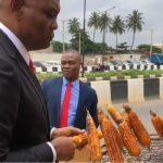 Billionaire Tony Elumelu Sampling Roasted Corn In Lagos. Wizkid Reacts